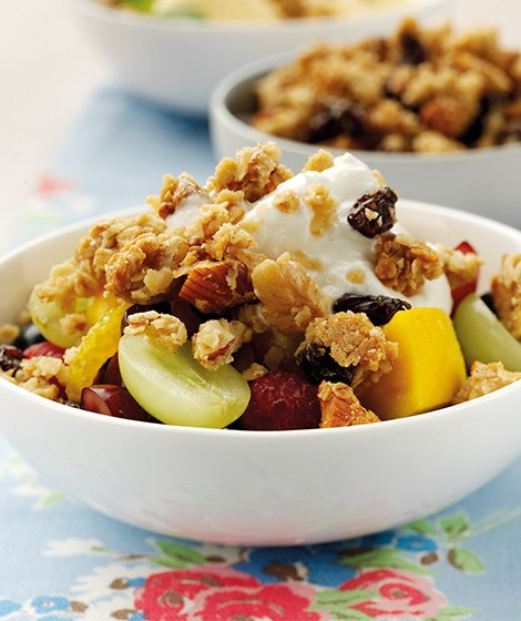 Fruity Granola Dessert Topping