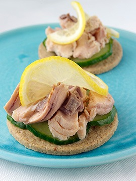Oatcakes with Cucumber Salmon and Lemon